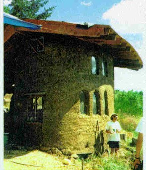 "A modern Cob ""mud"" house"